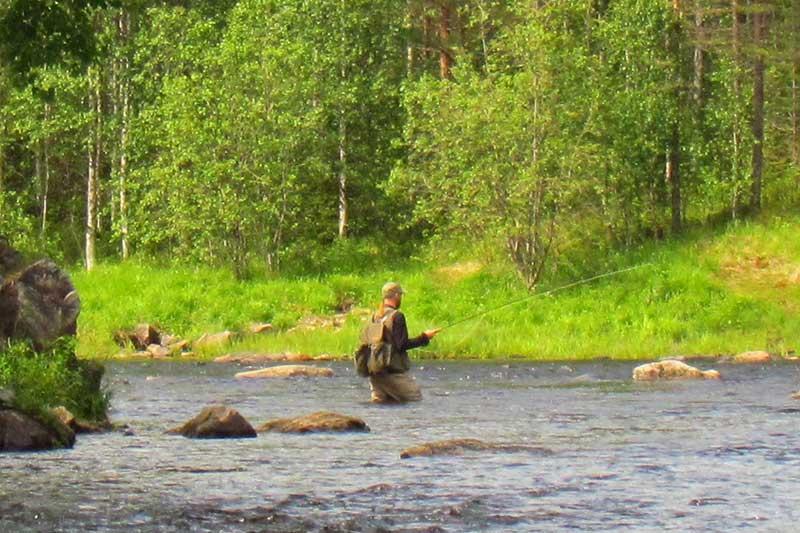 saija-fishing-river-3
